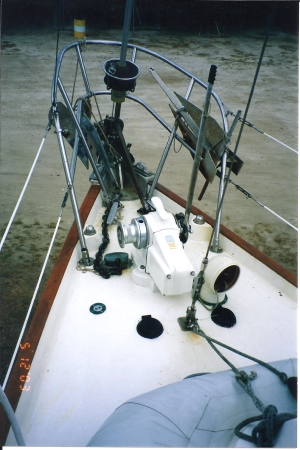 Tundras Bow showing her Tgress Windlass and bow roller
